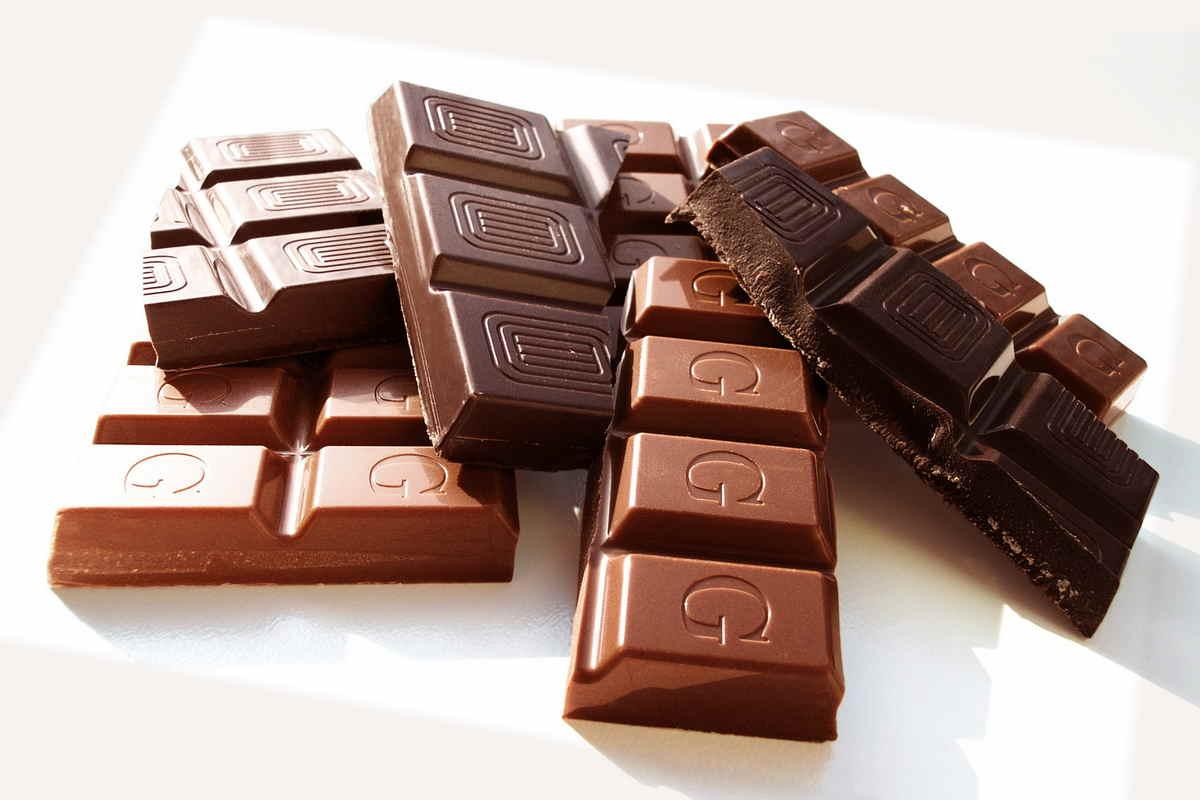 top-3-produktov-podnimajushhih-nastroenie004 ТОП - 3 продуктов, поднимающих настроение шоколад продукты питание здоровье
