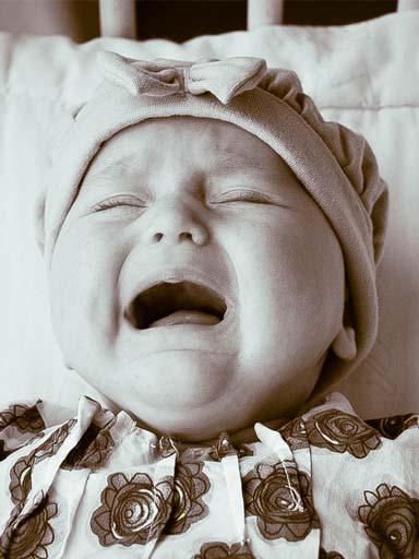 малыш плачет день и ночь напролет